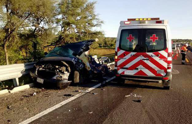 ¡Mueren cuatro en espantoso accidente carretero!
