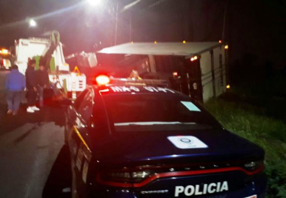 Cierran carreteras por accidentes viales