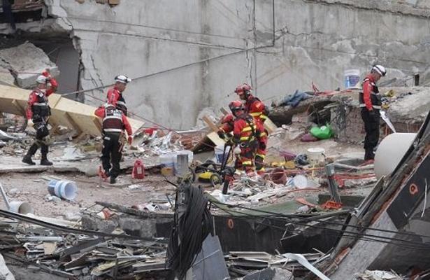 Rescatan tres cuerpos más en Álvaro Obregón 286