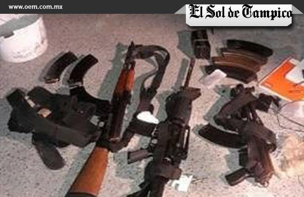 Policías aseguran armamento militar, en Tamaulipas