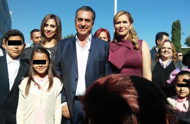 """Jaime Rodriguez """"El Bronco"""" firma como candidato independiente para 2018"""