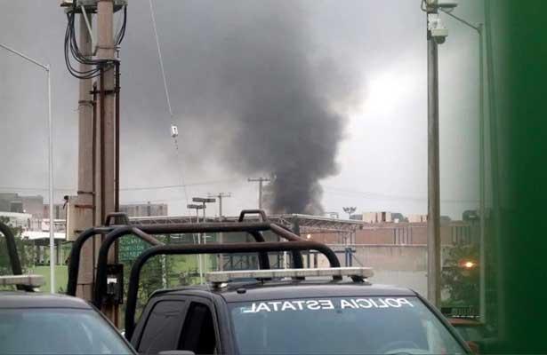 Incendios y detonaciones en el penal de Cadereyta