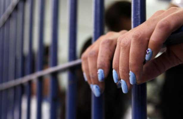 Prisión a mujer acusada de trata de personas