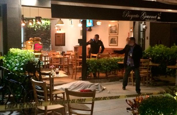 En atraco a cafetería matan a connotado catedrático