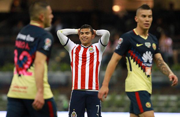 Chivas pierde 2-1 ante las Águilas del América