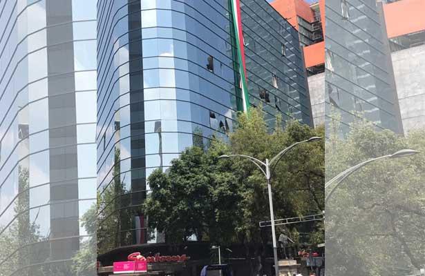 Temen que colapse edificio del ISSTE tras el sismo
