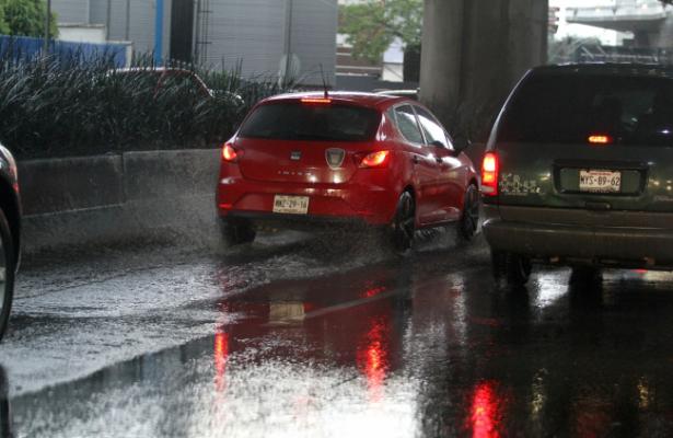 Lluvias y vientos fuertes se esperan en al valle de México