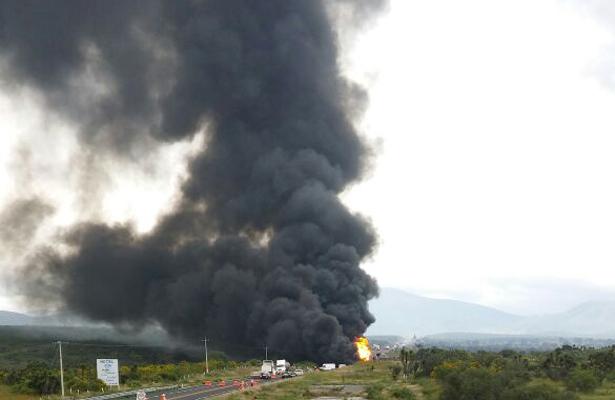 Explota pipa en Oaxaca