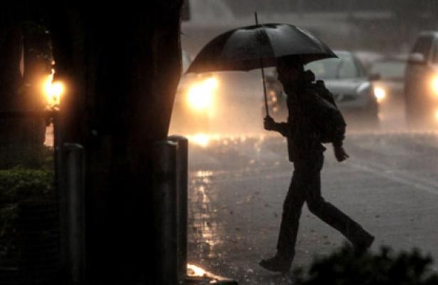 Fuertes lluvias vespertinas en la Ciudad y Estado de México