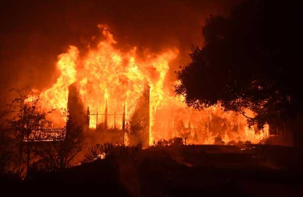 Incendios en California dejan 17 muertos