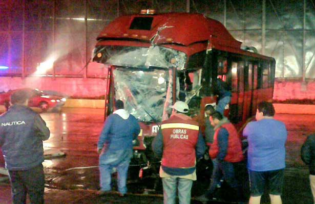 Se accidenta Metrobus en la GAM
