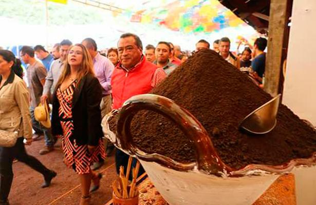 Miles acudieron este sábado a la Feria del Mole en Milpa alta