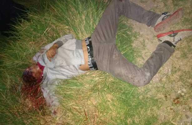 Asesinan a joven de puñaladas en la cara