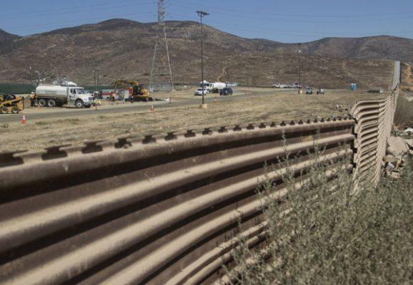 Pelean en el congreso norteamericano por construcción de muro fronterizo