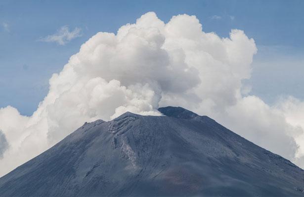Realiza Popocatépetl tres explosiones y siete sismos