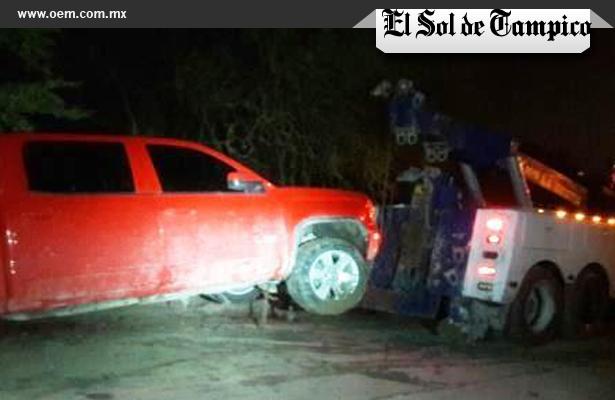 A balazos rescatan a secuestrado, en Tampico