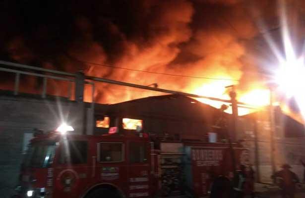 Incendio de fábrica en Xalostoc