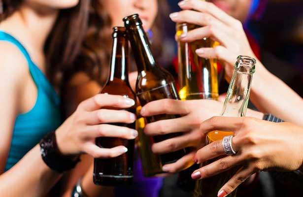 Aumenta ingesta de alcohol entre 12 y 65 años de edad
