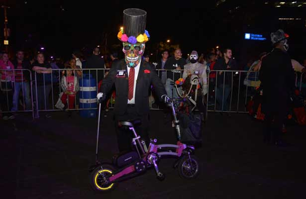 Exitosa Noche de Muertos en Bicicleta