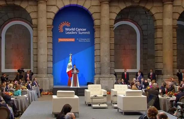 Acceso universal a servicios médicos, derecho fundamental: Peña Nieto