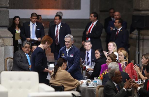 Mancera asiste Cumbre Mundial de líderes contra el cáncer