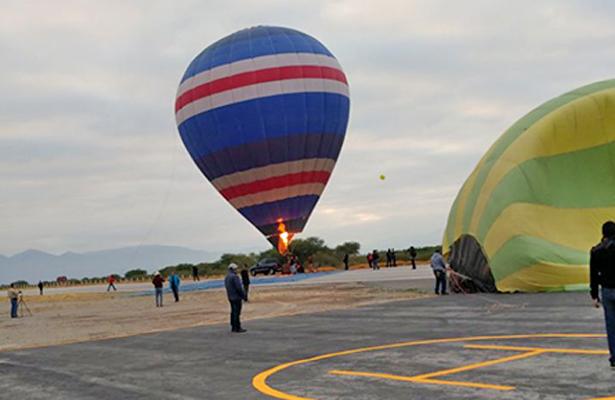 Exitoso espectáculo de globos aerostáticos en Coahuila