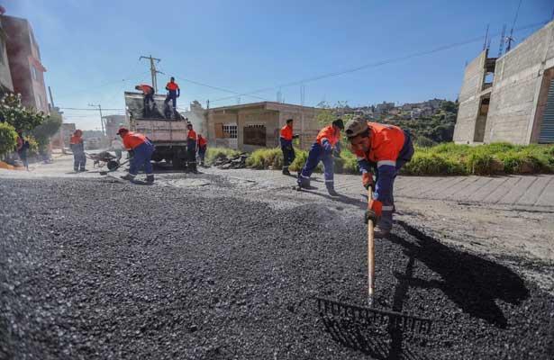 Rehabilitan colonias en Naucalpan y refuerzan seguridad