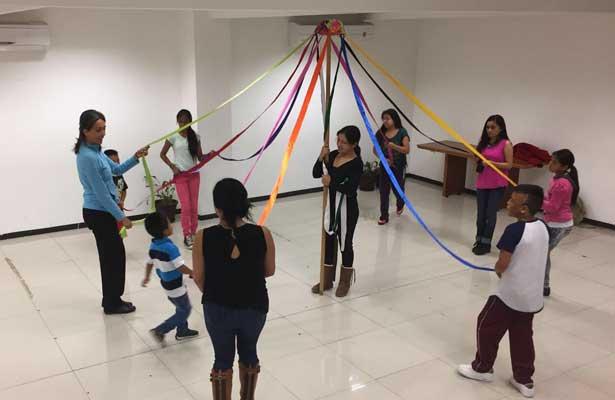 Fortalece Sederec tradiciones en niñas y niños indígenas