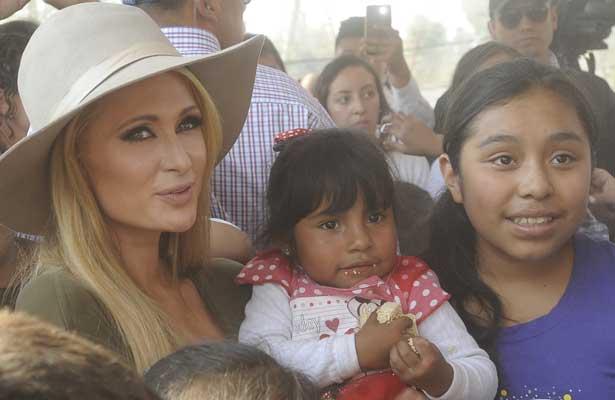 Paris Hilton visita Xochimilco