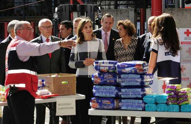 Reina Letizia visita la Cruz Roja Mexicana
