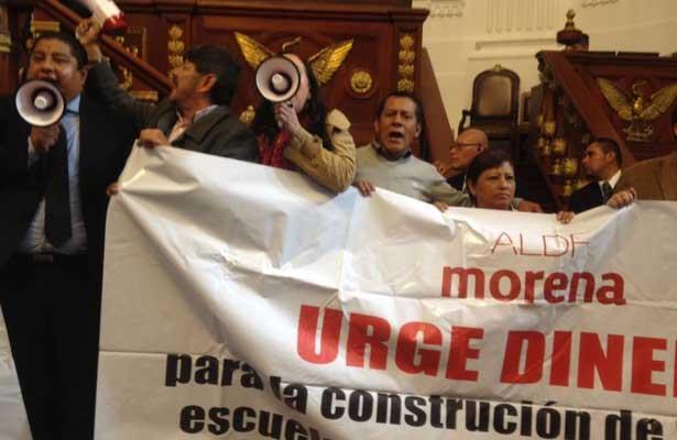 Termina en violencia la sesión en la ALDF