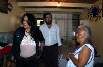 Informan a damnificados avances de reconstrucción: Dione Anguiano
