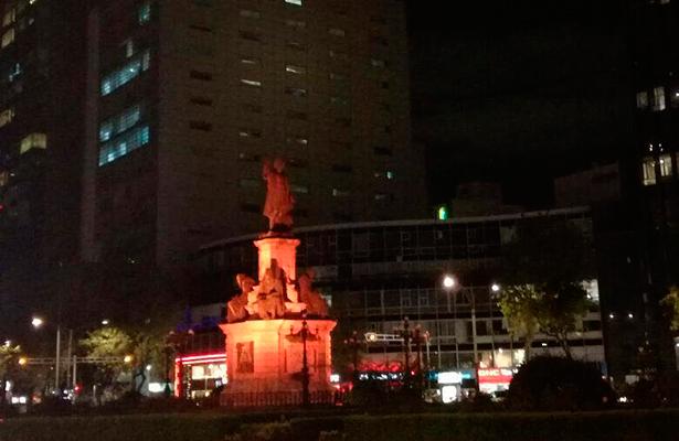 Iluminan edificios y monumentos ante Cumbre Mundial de Líderes en Cáncer 2017