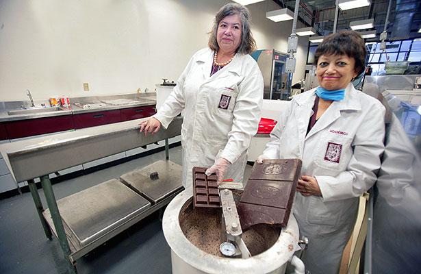 Impulsa IPN a mujeres desempleadas para crear negocios de confitería