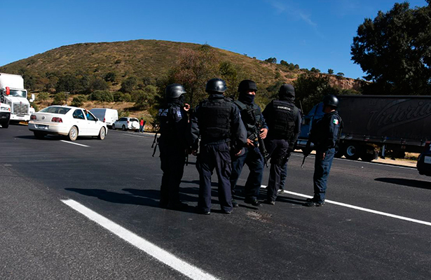 Un muerto y tres heridos de bala deja persecución policiaca en Zacacalco, Calpulalpan