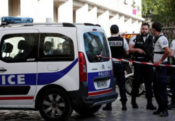 Arrollan a tres estudiantes en Francia