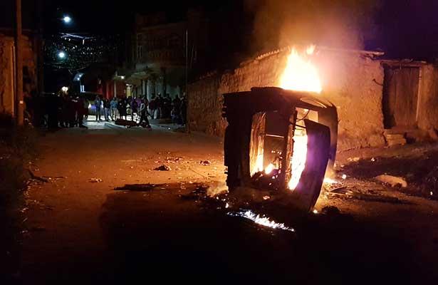 Pobladores queman patrulla en Santa Ana Hueytlalpan