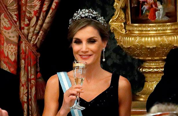 Llega a México, la reina Letizia de España