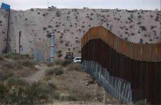 Abren muro entre México y E.U por unos minutos