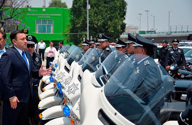 Ascensos de policías por méritos no por amiguismo