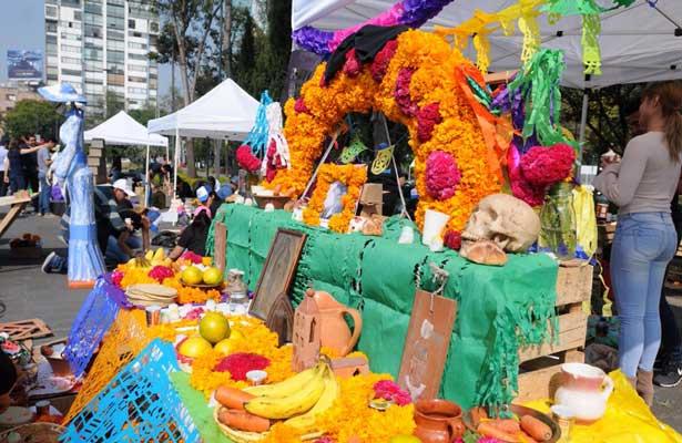 Instalan ofrendas en el Jardín La Bombilla [Fotos]