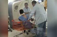 Usan carrito del super para trasladar a enfermos en hospital de Tabasco
