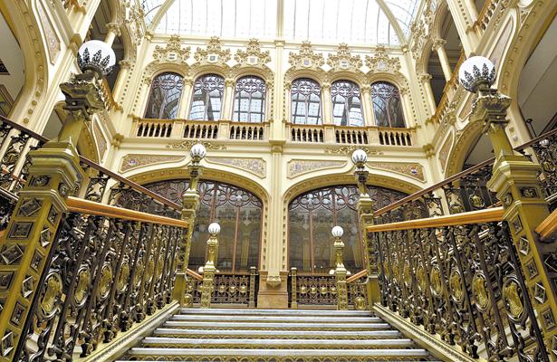 -Fotorreportaje- El Palacio Postal, la casa del cartero