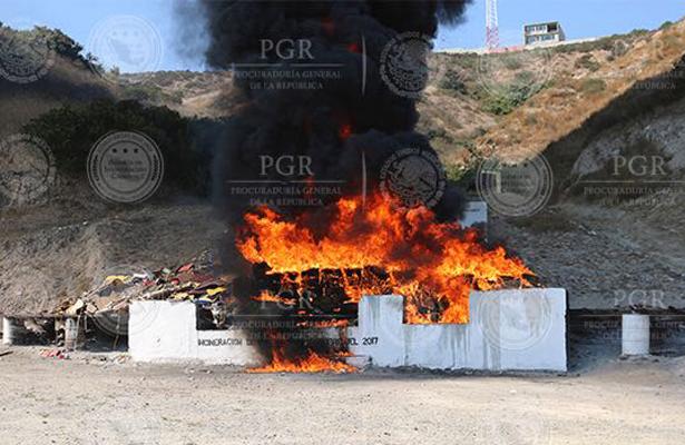 Queman cinco toneladas de narcóticos en Baja California