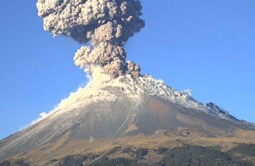 Presenta Popocatépetl cinco sismos y cientos de exhalaciones