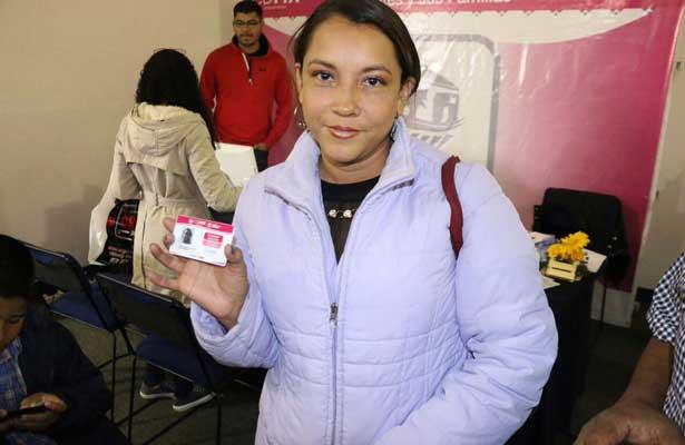 Presentan tarjeta Sederec en apoyo a los migrantes
