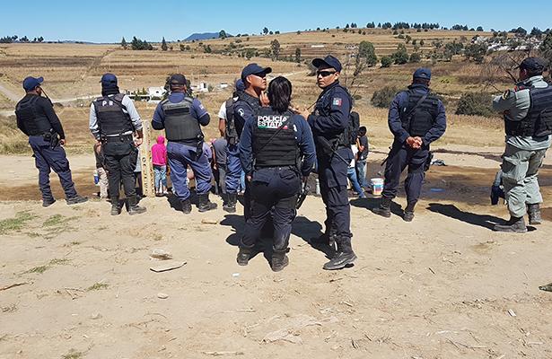 Pobladores de Tláloc cometen rapiña en toma clandestina, en Puebla