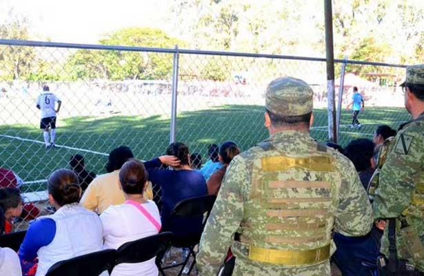 Juegan partido amistoso en Chilapa de Álvarez