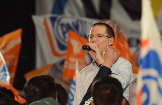 Pide Ricardo Anaya al PRI y su candidato tener vergüenza