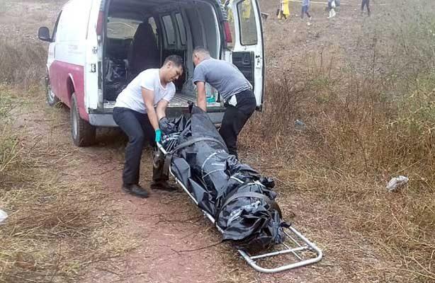 Encuentran cinco cuerpos en fosas clandestinas en Mazatlán